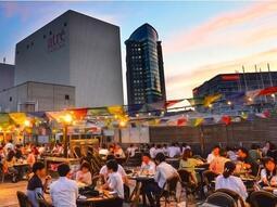 屋上空間で楽しむ「肉食べ放題BBQビアガーデン アトレ川崎店」4月22日(木)オープン